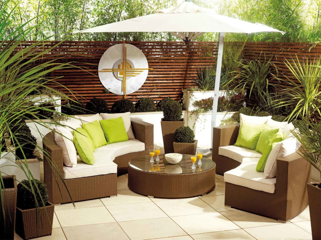 How to Properly Store and Maintain Outdoor Furniture