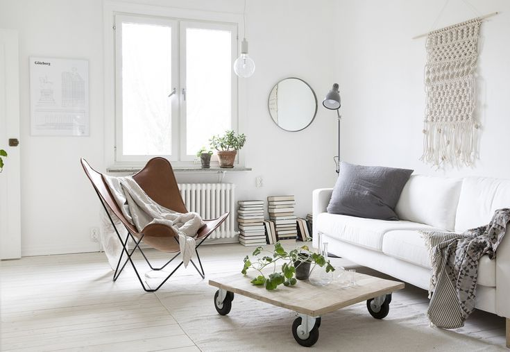 Simple Small Living Rooms That Maximize Minimalist Style